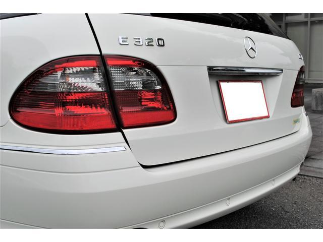 E320 CDIワゴン アバンギャルド 禁煙車 ディーゼルターボ 電動リアゲート 点検整備記録簿 シートヒーター 地デジTV ウッドコンビステアリング ブラックモールディング ブラックアルミ17インチ クルーズコントロール ドライブレコーダ(41枚目)