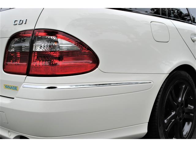 E320 CDIワゴン アバンギャルド 禁煙車 ディーゼルターボ 電動リアゲート 点検整備記録簿 シートヒーター 地デジTV ウッドコンビステアリング ブラックモールディング ブラックアルミ17インチ クルーズコントロール ドライブレコーダ(46枚目)