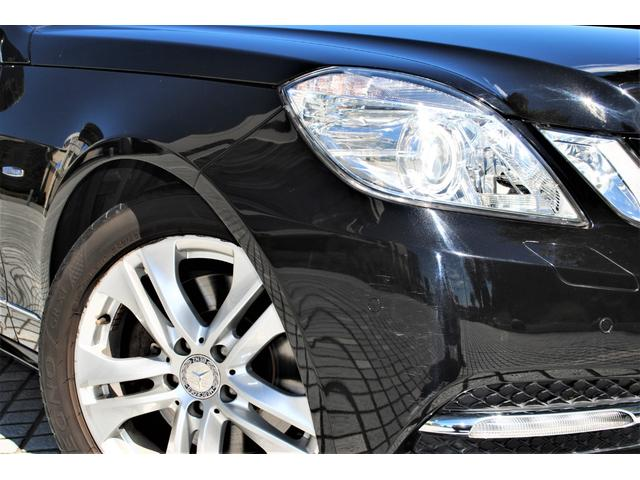 E350ブルテックステーションワゴンアバンG ディーゼルターボ 禁煙車 オブシディアンブラック&ベージュレザー 特別仕様 後席シアターパッケージ ベンツ純正ヘッドホン2個有り 走行距離無制限 6ヵ月無料保証付き 電動リアゲート バックカメラ(4枚目)