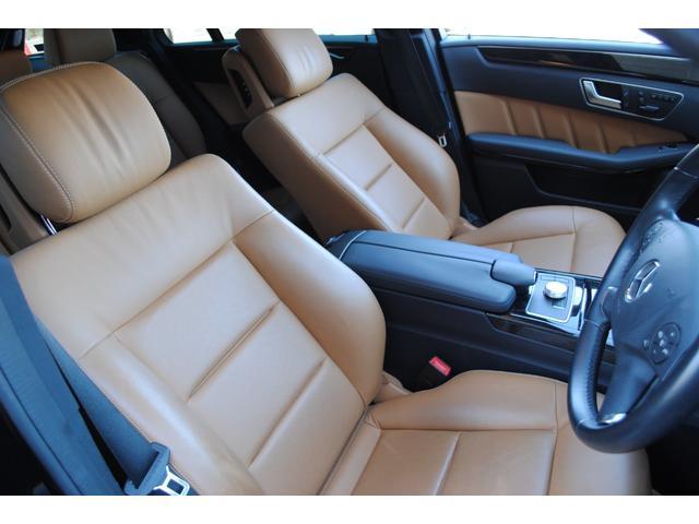 E350ブルテックステーションワゴンアバンG ディーゼルターボ 禁煙車 オブシディアンブラック&ベージュレザー 特別仕様 後席シアターパッケージ ベンツ純正ヘッドホン2個有り 走行距離無制限 6ヵ月無料保証付き 電動リアゲート バックカメラ(10枚目)