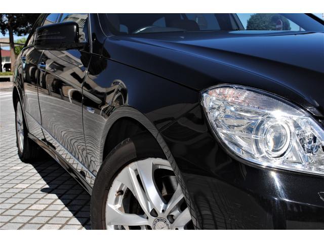E350ブルテックステーションワゴンアバンG ディーゼルターボ 禁煙車 オブシディアンブラック&ベージュレザー 特別仕様 後席シアターパッケージ ベンツ純正ヘッドホン2個有り 走行距離無制限 6ヵ月無料保証付き 電動リアゲート バックカメラ(27枚目)