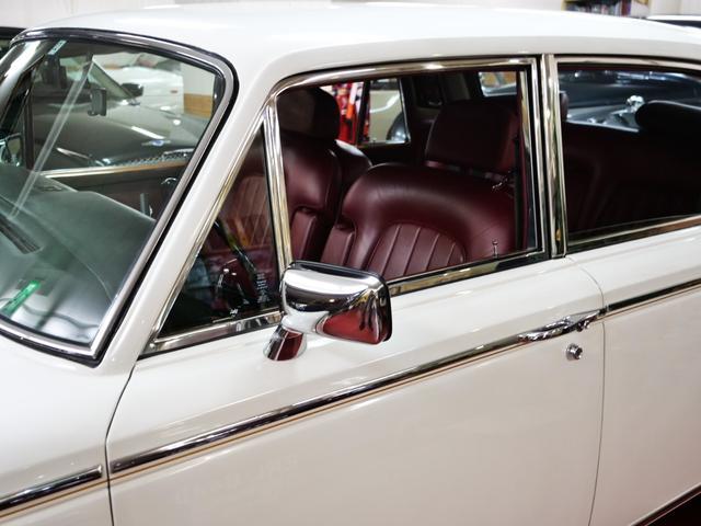 「ロールスロイス」「ロールスロイス シルバーシャドーII」「セダン」「東京都」の中古車13