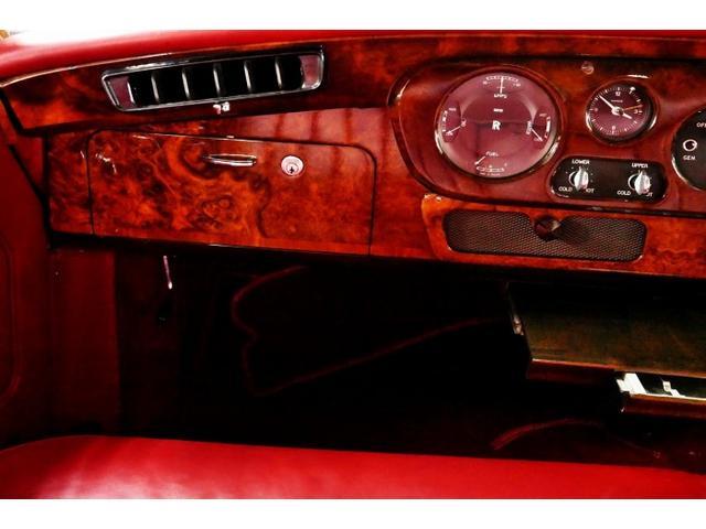 「ロールスロイス」「ロールスロイス シルバークラウドII」「クーペ」「東京都」の中古車28