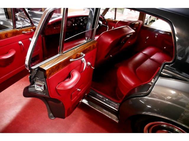 「ロールスロイス」「ロールスロイス シルバークラウドII」「クーペ」「東京都」の中古車35