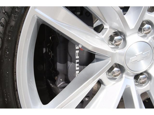 フロントブレーキは純正ブレンボブレーキキャリパーです。