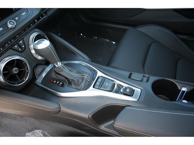 走行状況や好みに合わせてダイヤルひとつで走りをカスタマイズできる機能のドライバーモードセレクター付です。