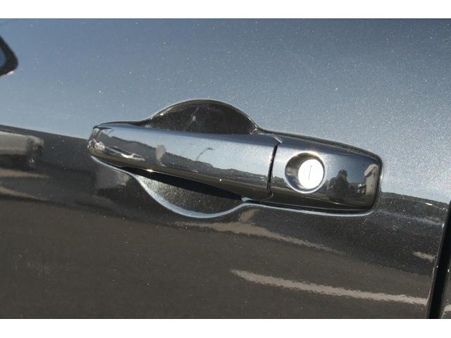 SRT8 正規ディーラー車 ナビ バックカメラ サンルーフ(18枚目)