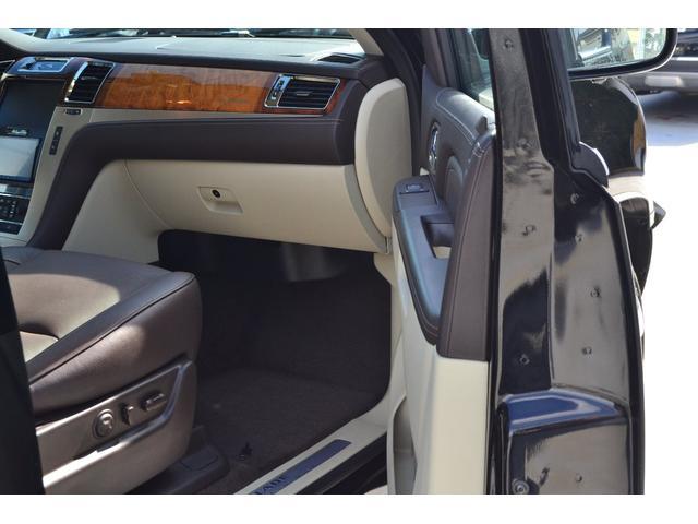「キャデラック」「キャデラックエスカレード」「SUV・クロカン」「東京都」の中古車29