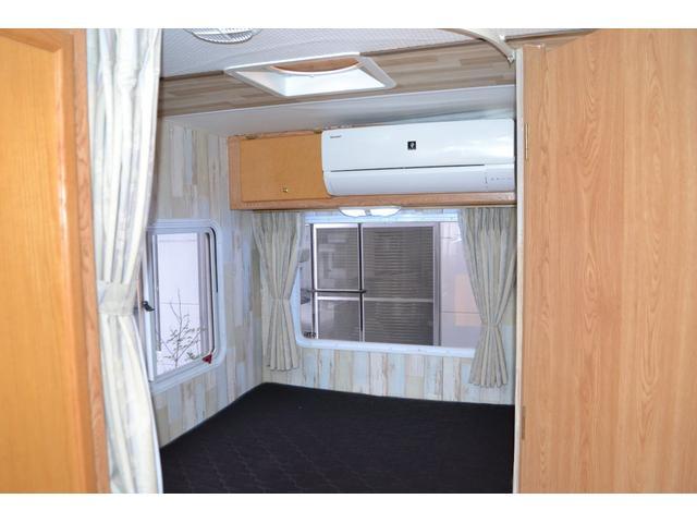 TRAIL LITHGT製 新車並行 ワークフォースシャーシ シボレーVortec8.2L 日本製家庭用エアコン バペストFFヒーター 冷蔵庫 発電機 ウォシュレット 電子レンジ 就寝人数6名 バックカメラ ラバールーフ張替済(26枚目)