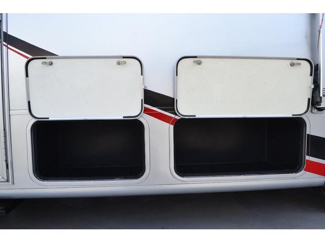 TRAIL LITHGT製 新車並行 ワークフォースシャーシ シボレーVortec8.2L 日本製家庭用エアコン バペストFFヒーター 冷蔵庫 発電機 ウォシュレット 電子レンジ 就寝人数6名 バックカメラ ラバールーフ張替済(38枚目)