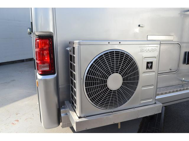 TRAIL LITHGT製 新車並行 ワークフォースシャーシ シボレーVortec8.2L 日本製家庭用エアコン バペストFFヒーター 冷蔵庫 発電機 ウォシュレット 電子レンジ 就寝人数6名 バックカメラ ラバールーフ張替済(46枚目)
