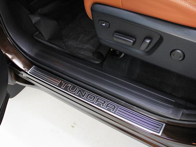 米国トヨタ タンドラ クルーマックス 1794エディショントノカバー2018モデル