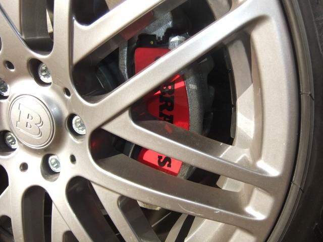 BRABUS モノブロックFリキッドチタニウムAW 255/40R19タイヤ