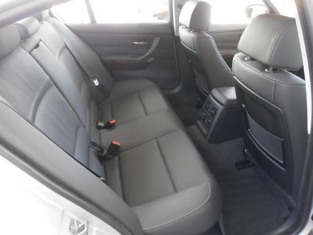 BMW BMW 320i ハイラインパッケージ 純正HDDナビ 革シート