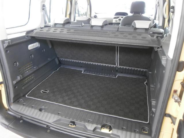 1.6 1オーナー シルバードアハンドル オプションラゲッジマット オーバーヘッドコンソール ダブルバックドア オートエアコン オートクルーズ リアシートテーブル ETC チャイルドルームミラー キーレス(37枚目)