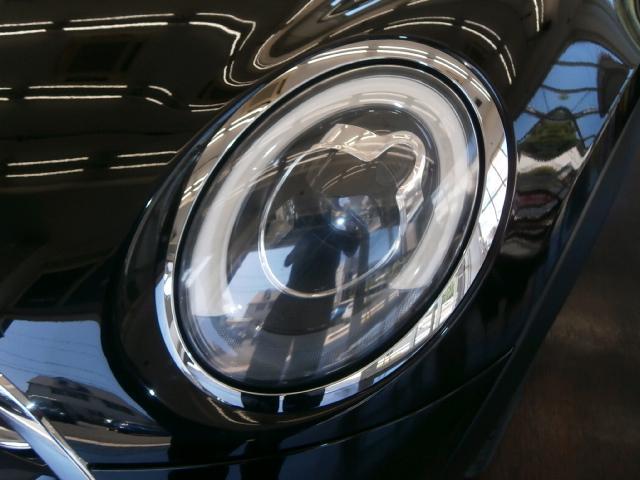 クーパーS クーパーS 6速マニュアル 1オーナー LEDヘッドライト LEDフォグ 純正ナビ MINIエキサイトメントPKG ストレージコンパートメント アイドリングストップ スポーツシート レザーステアリング(9枚目)