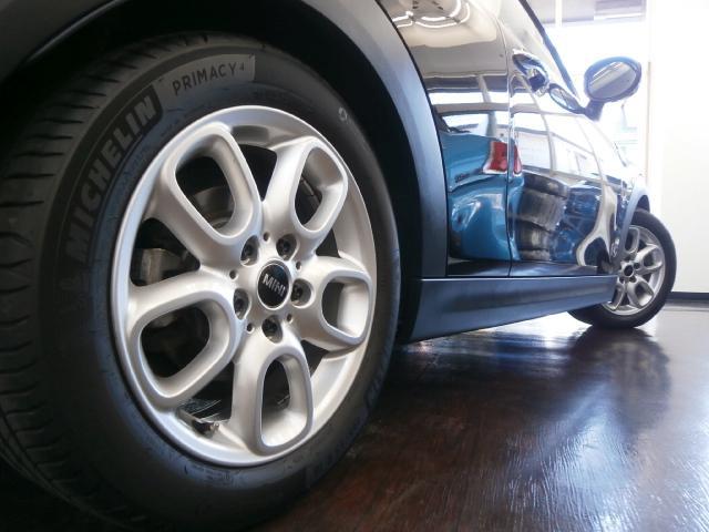 クーパーS クーパーS 6速マニュアル 1オーナー LEDヘッドライト LEDフォグ 純正ナビ MINIエキサイトメントPKG ストレージコンパートメント アイドリングストップ スポーツシート レザーステアリング(14枚目)