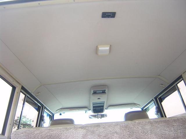 クライスラー・ジープ クライスラージープ グランドワゴニア ベースグレード 4WD バン