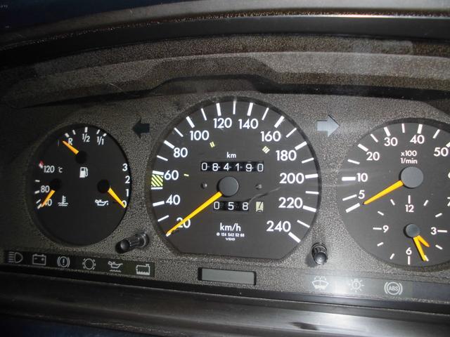 300E D車 右H 社外HDDナビ 2オーナー(17枚目)