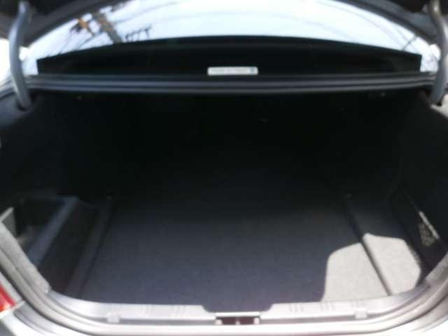 BMW BMW 525i 黒革シート 定期点検記録簿付 社外17インチアルミ