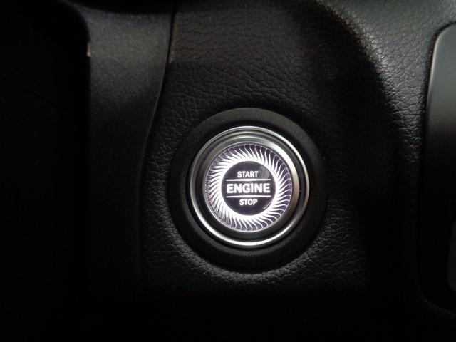 先行車を追従するACC(ディストロニック)は、ステアリングから手を離さずに操作可能です!