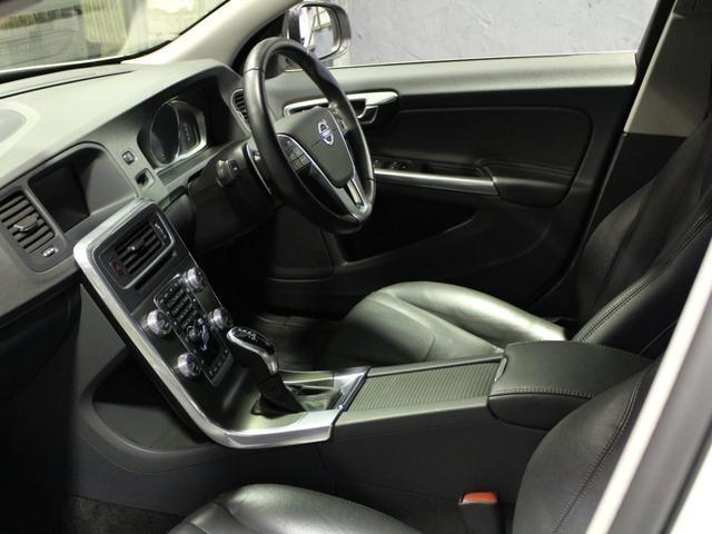 ボルボ ボルボ V60 T4 SE セーフティーパッケージ OZ18インチ ナビ