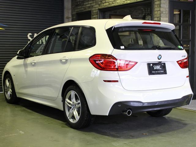 走行距離50km、新車保証、車検満タンに残っている大変お得な車輌でございます。