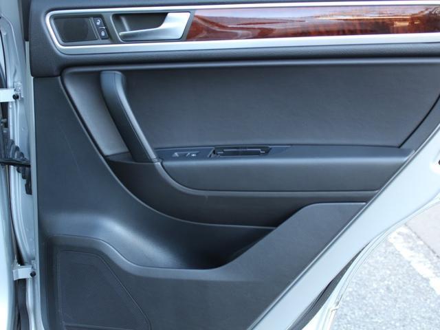 「フォルクスワーゲン」「VW トゥアレグ」「SUV・クロカン」「東京都」の中古車63