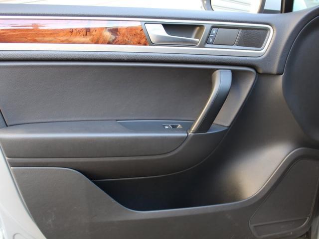 「フォルクスワーゲン」「VW トゥアレグ」「SUV・クロカン」「東京都」の中古車71