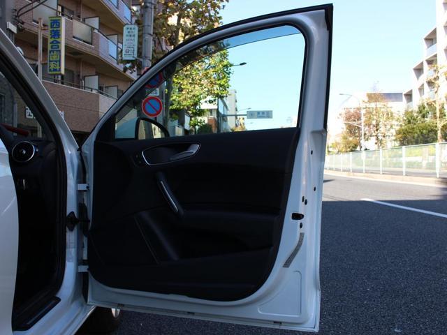 「アウディ」「アウディ A1スポーツバック」「コンパクトカー」「東京都」の中古車68