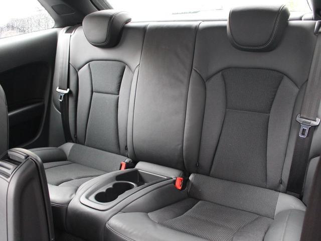 1.4TFSI 禁煙車 Sラインパッケージ  スポーツシート キセノンパッケージ MMIベーシック  6.5インチモニター SDカードスロット AUX端子 8スピーカー  コントラストルーフ アイドリングストップ(28枚目)