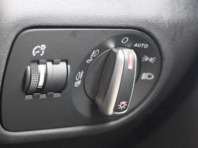 1.4TFSI 禁煙車 Sラインパッケージ  スポーツシート キセノンパッケージ MMIベーシック  6.5インチモニター SDカードスロット AUX端子 8スピーカー  コントラストルーフ アイドリングストップ(43枚目)