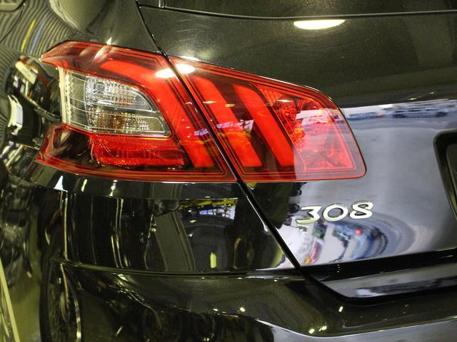 GTライン ブルーHDi ブラックパック 禁煙車輌 新車保証継承 特別仕様車 ディーゼルターボ  取扱説明書 新車時保証書 点検記録 スペアキー 18インチブラックアロイホイール ダーククロームライオンエンブレム ラックフロントグリル(61枚目)