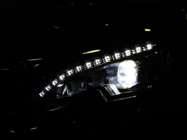 GTライン ブルーHDi ブラックパック 禁煙車輌 新車保証継承 特別仕様車 ディーゼルターボ  取扱説明書 新車時保証書 点検記録 スペアキー 18インチブラックアロイホイール ダーククロームライオンエンブレム ラックフロントグリル(66枚目)