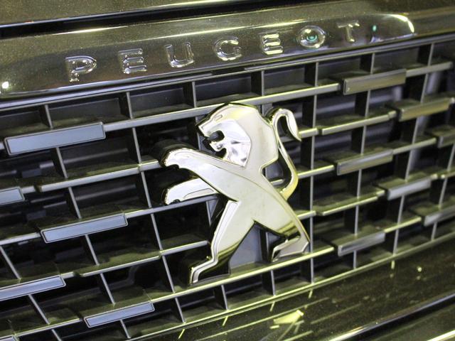 GTライン ブルーHDi ブラックパック 禁煙車輌 新車保証継承 特別仕様車 ディーゼルターボ  取扱説明書 新車時保証書 点検記録 スペアキー 18インチブラックアロイホイール ダーククロームライオンエンブレム ラックフロントグリル(68枚目)