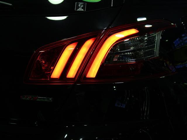 GTライン ブルーHDi ブラックパック 禁煙車輌 新車保証継承 特別仕様車 ディーゼルターボ  取扱説明書 新車時保証書 点検記録 スペアキー 18インチブラックアロイホイール ダーククロームライオンエンブレム ラックフロントグリル(79枚目)