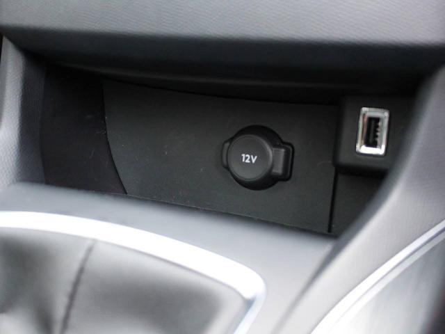 SW アリュール ブルーHDi 1オーナー 禁煙車 ガラスルーフ Bカメ前後ソナー クルコン タッチスクリーン ラジオ USB Bluetooth スマートキー&エンジンスタートボタン(52枚目)