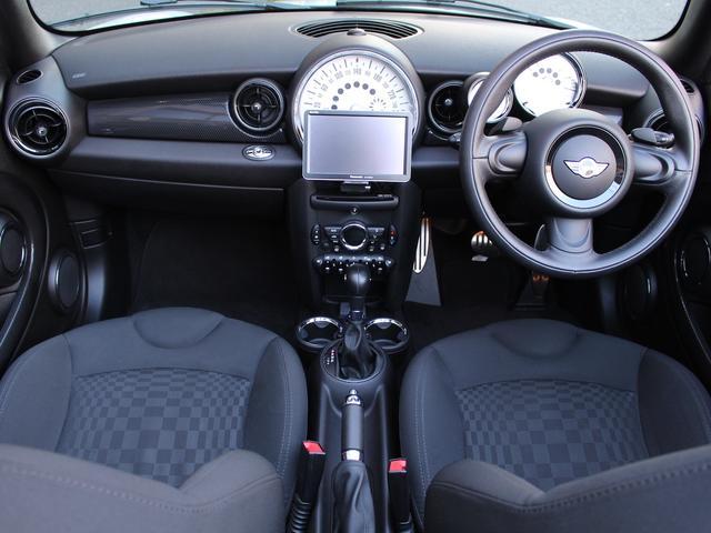 クーパーS コンバーチブル 禁煙車 Panasonic製ナビゲーション リバースギア連動バックカメラ リアコーナーセンサー シートヒーター バイキセノンヘッドライト オールウェイズオープンタイマー ETC ディーラー車(9枚目)