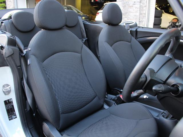 クーパーS コンバーチブル 禁煙車 Panasonic製ナビゲーション リバースギア連動バックカメラ リアコーナーセンサー シートヒーター バイキセノンヘッドライト オールウェイズオープンタイマー ETC ディーラー車(14枚目)