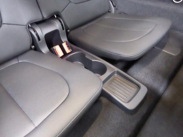 218dグランツアラー ラグジュアリー コンフォートパッケージ 正規認定中古車(33枚目)