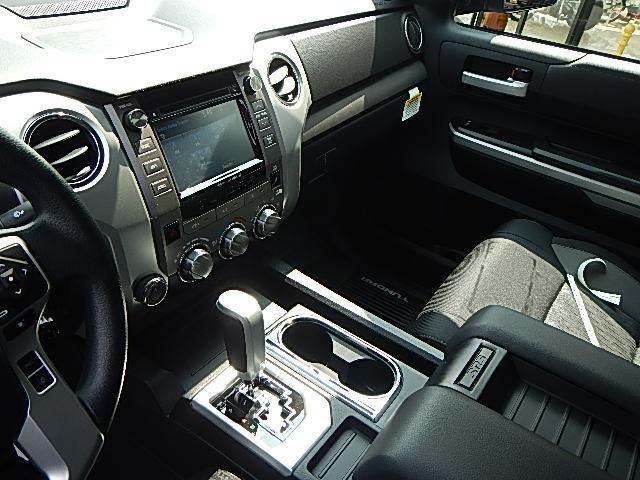 新車並行クルーマックスSR5 TRD 4WD(18枚目)