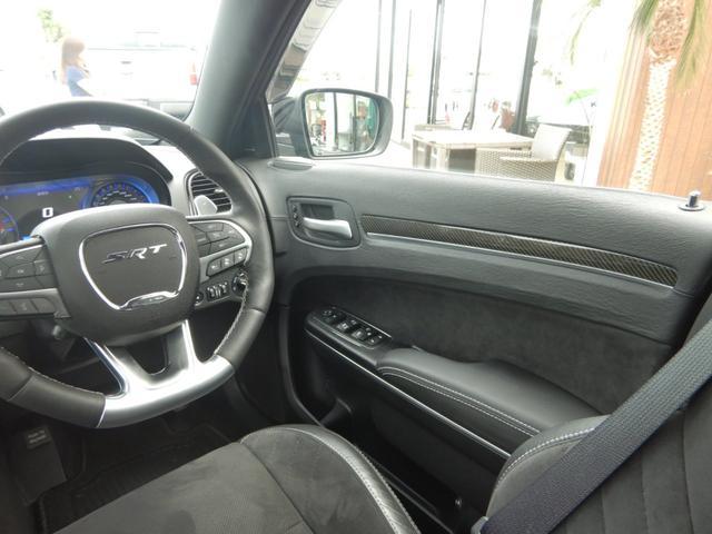運転席の内装