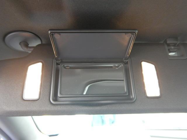 アメ車を中心に逆輸入車を数多く取り扱っております。大変希少なハマーH1も常時展示中!