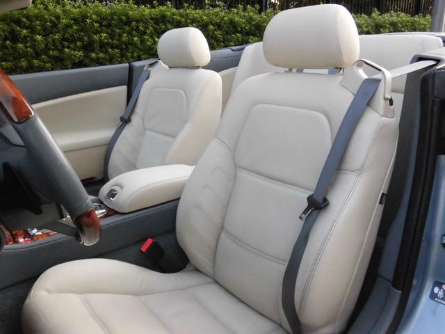XKRコンバーチブル 2009yモデル 紺TOP 左ハンドル 1オーナー アイボリー内装 20AW アダプテイブクルーズコントロール 6速パドルシフト ヒーター付ウッドコンビステアリング  ドラレコ(25枚目)