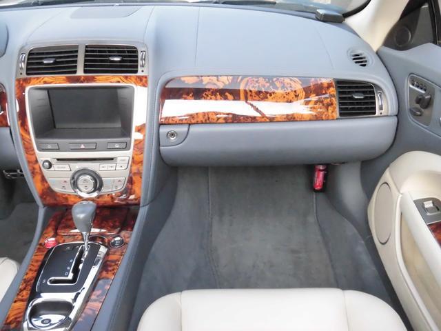 XKRコンバーチブル 2009yモデル 紺TOP 左ハンドル 1オーナー アイボリー内装 20AW アダプテイブクルーズコントロール 6速パドルシフト ヒーター付ウッドコンビステアリング  ドラレコ(38枚目)