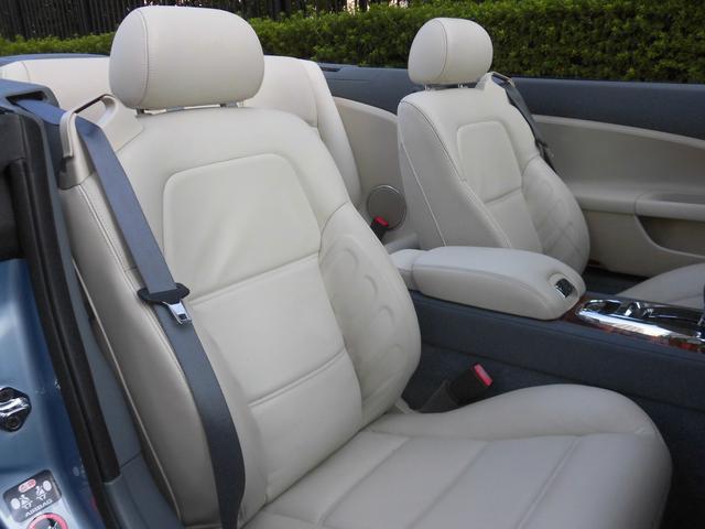 XKRコンバーチブル 2009yモデル 紺TOP 左ハンドル 1オーナー アイボリー内装 20AW アダプテイブクルーズコントロール 6速パドルシフト ヒーター付ウッドコンビステアリング  ドラレコ(43枚目)