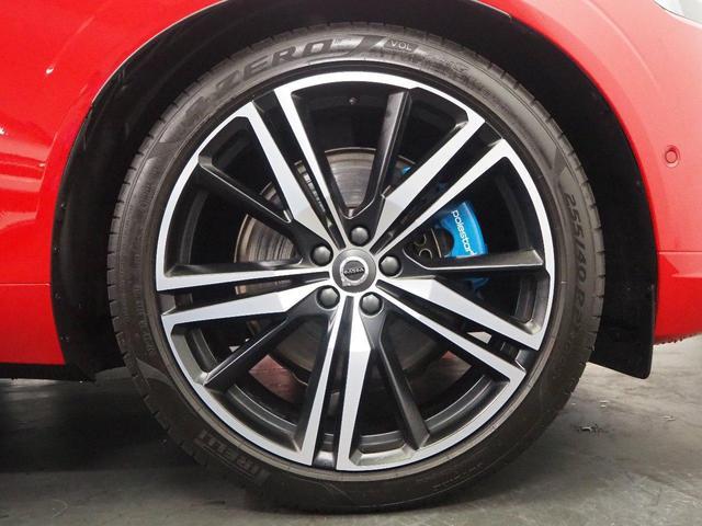 T6 AWD Rデザイン ポールスターパッケージ パノラマルーフ ポールスター専用エンブレム Rデザイン21インチAW Rデザイン専用スポーツシート ブルーペイントキャリパー 純正ナビ 地デジTV-KIT パドルシフト(8枚目)