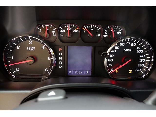 2016年モデル V8-5.3L GMC SIERRA 1500/4WD Regular Cab 希少な新車並行車です。走行距離は僅か1.600マイル(2.600Km)です。
