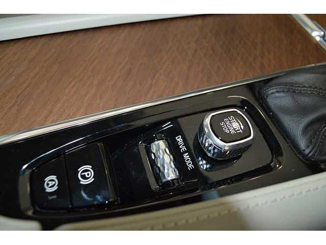 T6 AWD インスクリプション(16枚目)