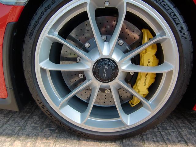911GT3・D車・6MT・PCCB・Fリフター・1オーナー(9枚目)